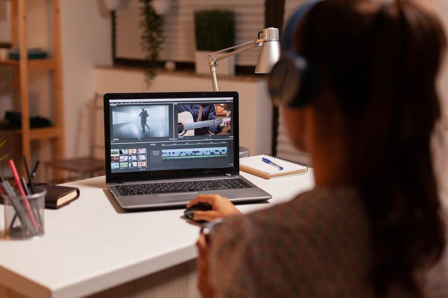 filmmaker-editing-video-footage-5VX7ALY